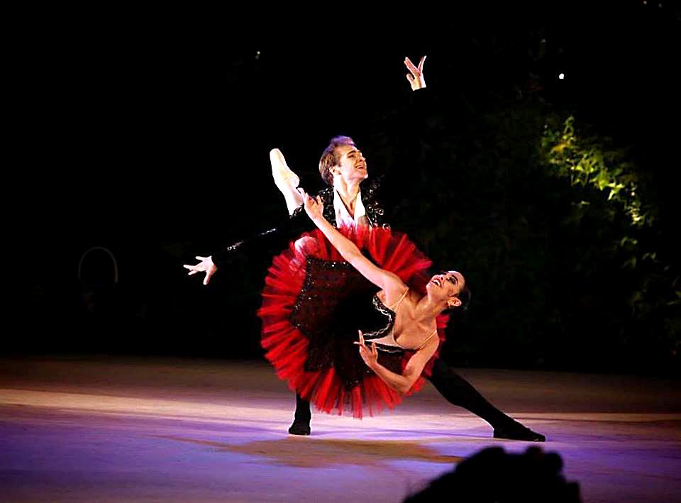 Amanda Gomes ganha maior concurso de dança do mundo