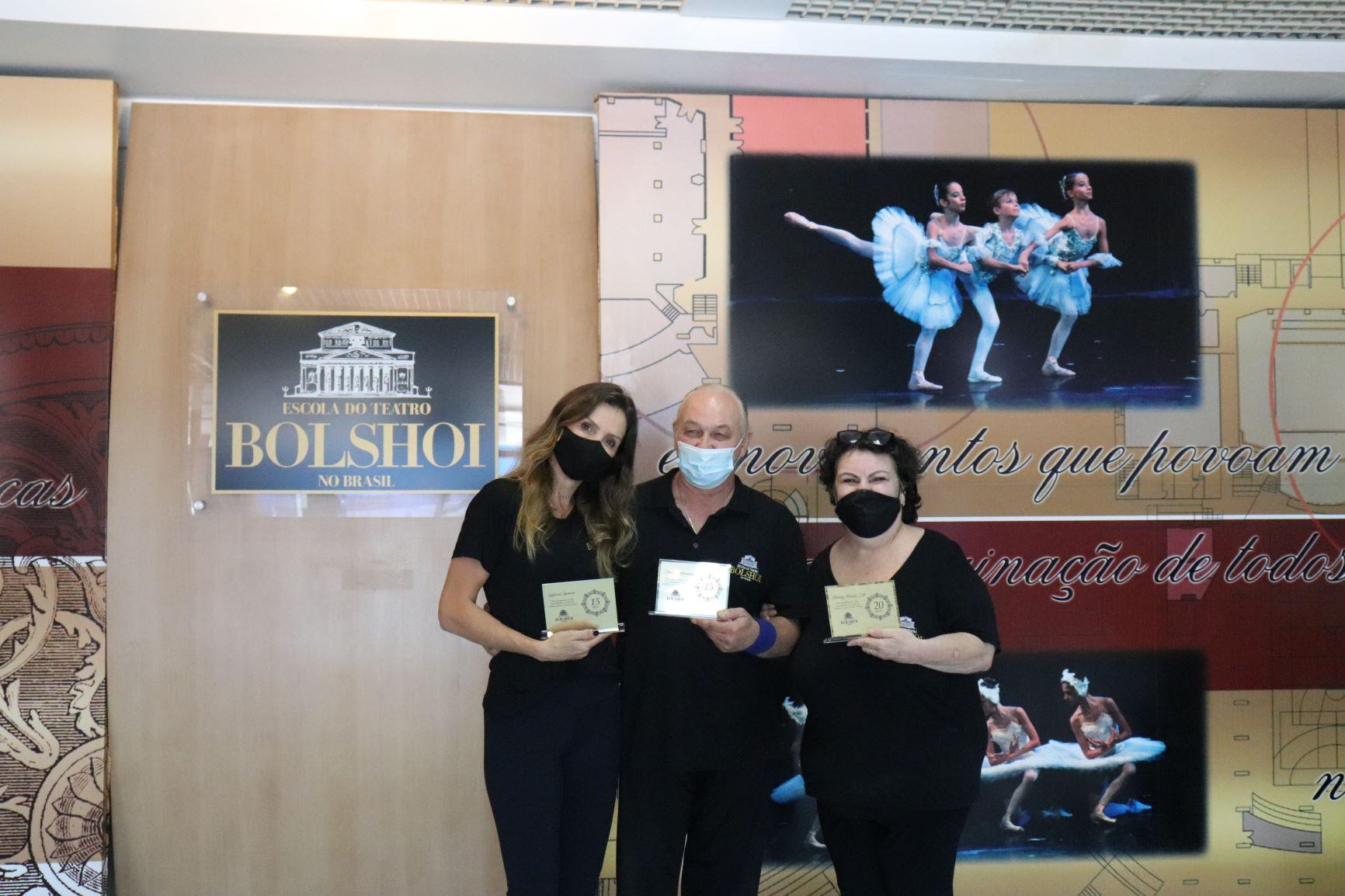 Escola Bolshoi homenageia colaboradores com 15 e 20 anos de casa